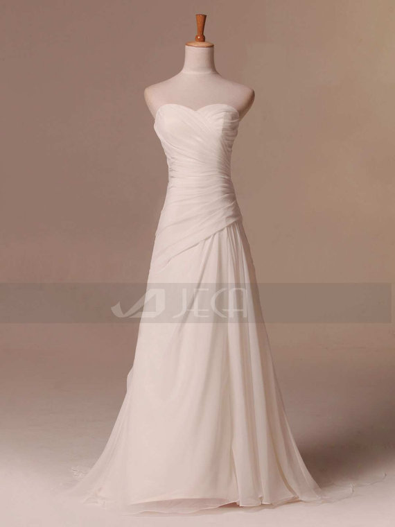 Simple beach wedding dress summer wedding dress outdoor for Dress for summer outdoor wedding